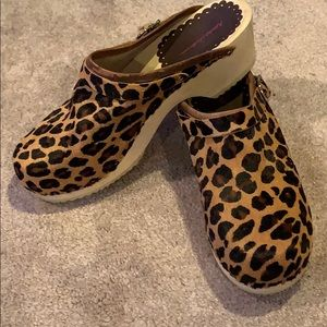 🍁Hanna Andersson Leopard Clogs🍁